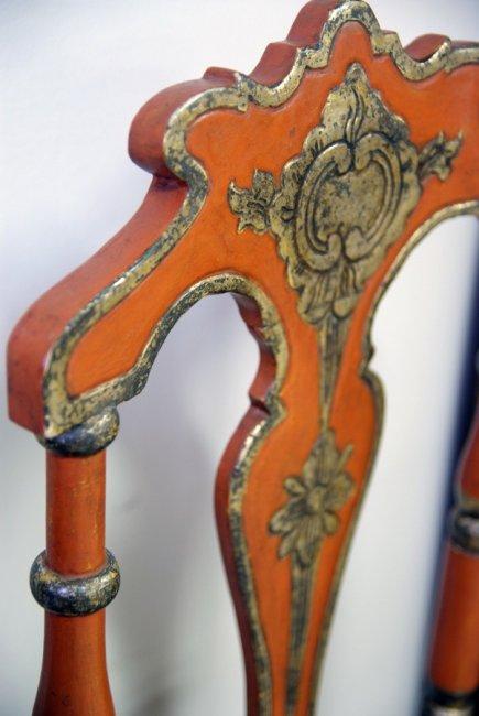 Restauració cadira amb policromat i reconstrucció boba