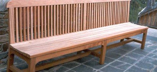 Banco de jardín para exteriores. Fabricado en madera de teca.