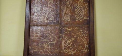Cuadro de baldosas antiguas pintadas a mano. Marco de madera maciza y acabado a la cera.