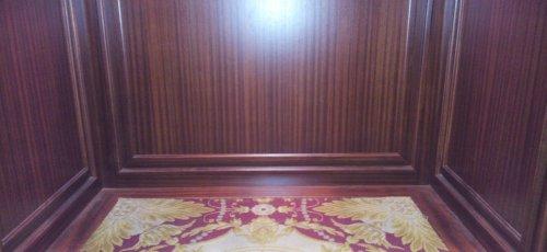 Acabado final interior ascensor Hotel Palace (Barcelona)