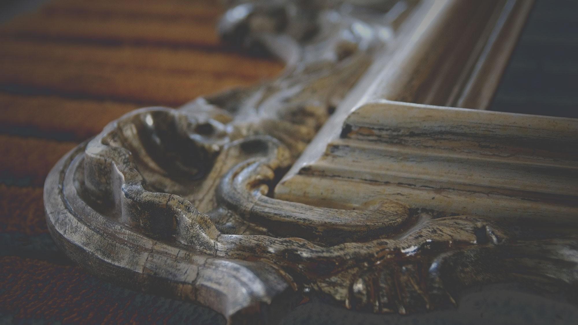 Restauración y reproducción de muebles antíguos
